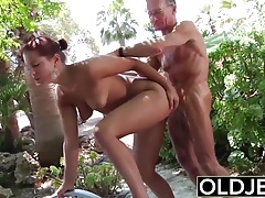 Young Girlfriend caught fucked...