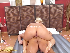 xhamster round ass slippery massage